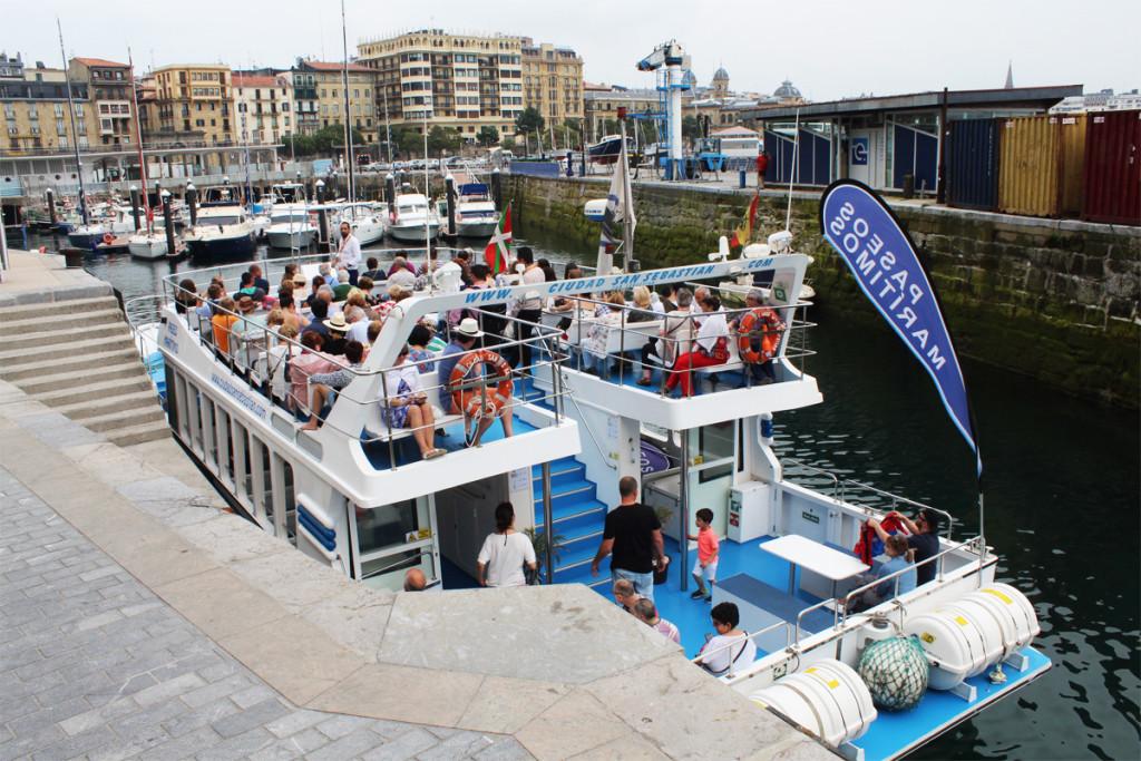 catamaran ciudad de san sebastian paseos por la costa de donostia