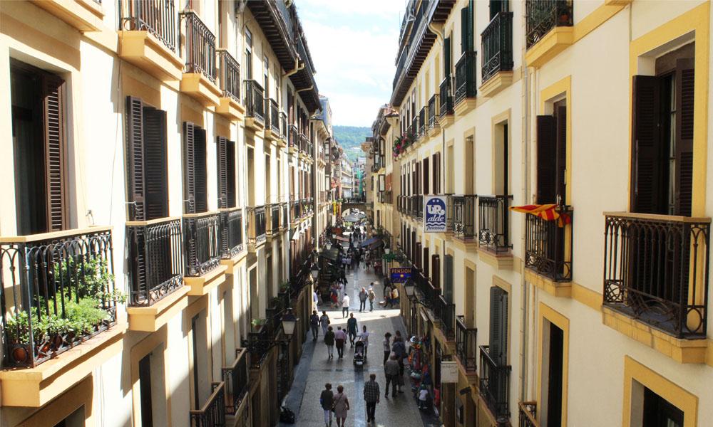 fotografía de la calle puerto de san sebastián donostia